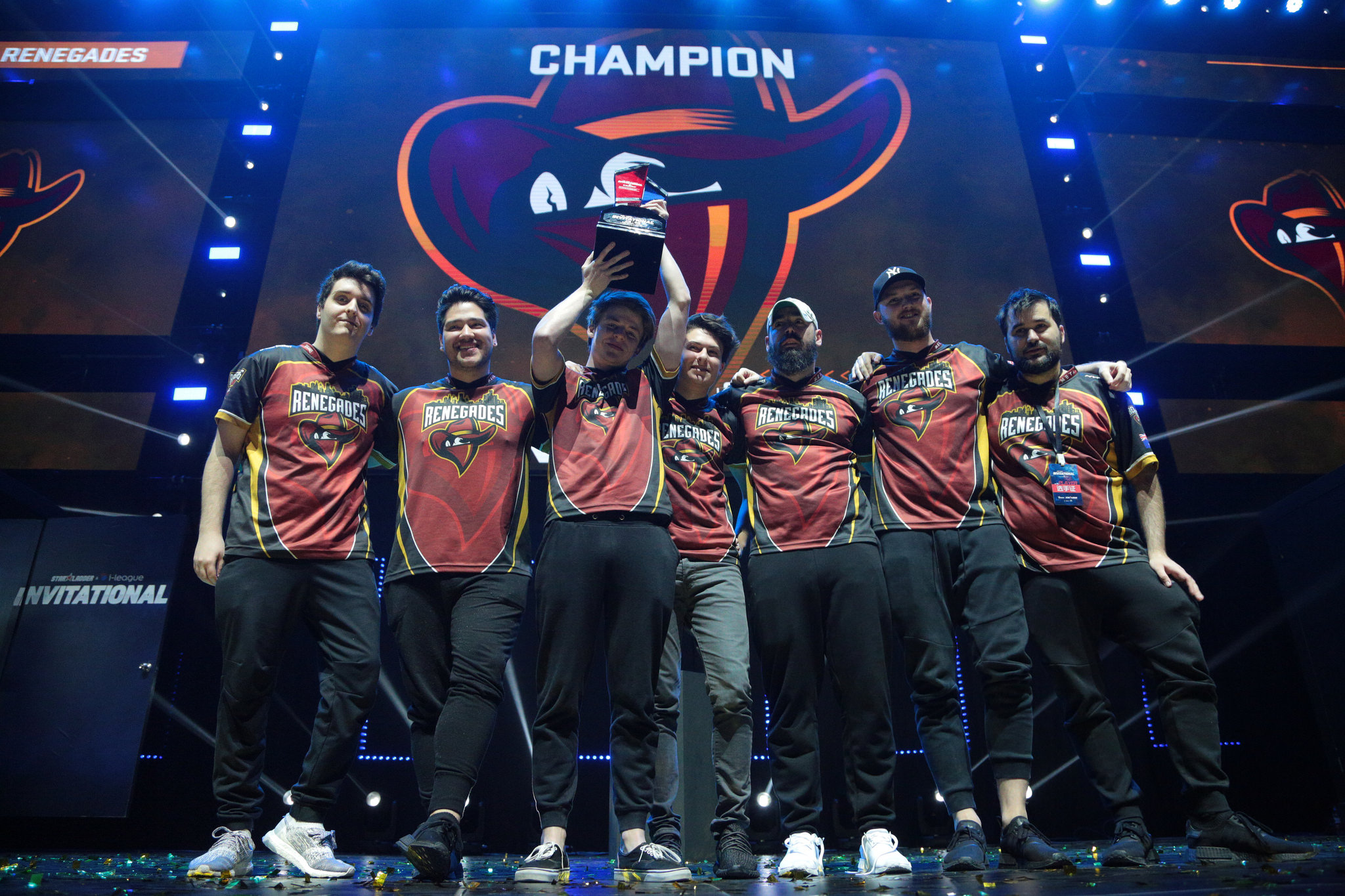 Renegades win Starladder