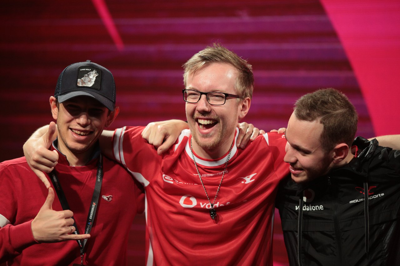 mousesports advance to semifinals - csgo starladder com