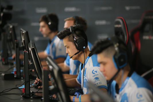 StarSeries S2: Cloud9 advance to the Play-offs