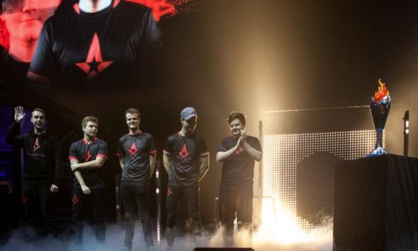 Astralis завоевала чемпионский титул ECS S2
