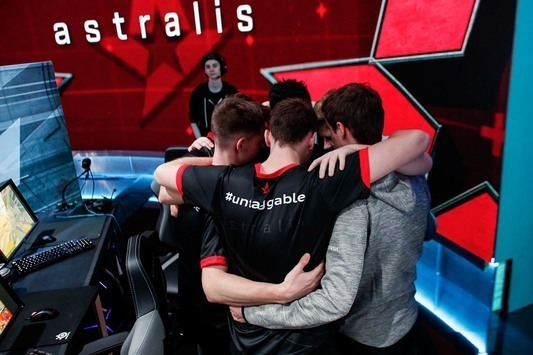 ELEAGUE Major: Astralis sent Na'Vi back home
