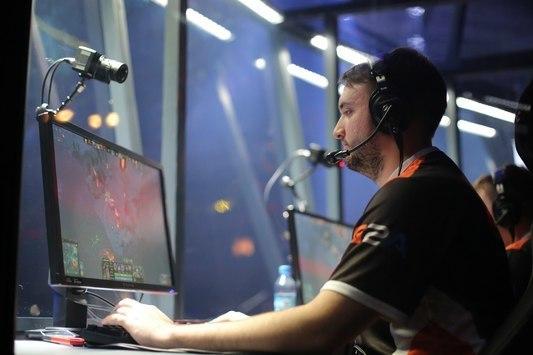 The Kiev Major: VP в полуфинале сразится с Invictus Gaming