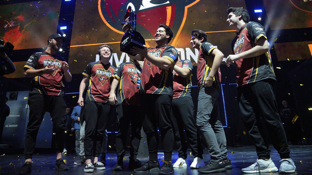Renegades подняла чемпионский кубок SL i-League Invitational Shanghai