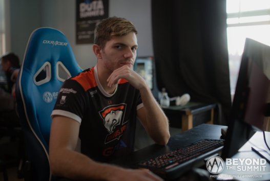 Virtus.pro to play in the final of DOTA Summit 8