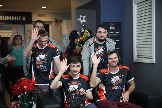 Virtus.Pro win the third Summit at a run