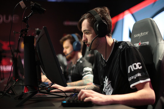 Astralis beat Gambit; G2 advance to the Playoffs