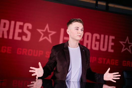 XAOC and petr1k to run the draw for Round 1 of StarSeries i-League S6