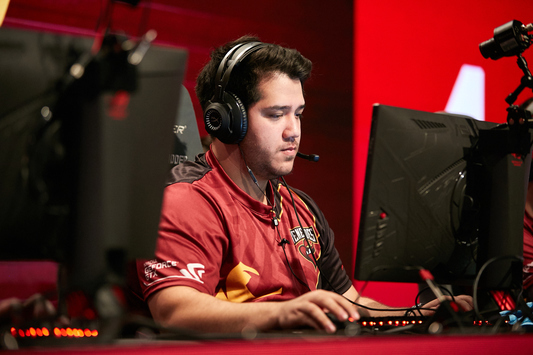 """AZR: """"I don't think [Nifty] wanted to AWP and in-game lead anymore"""""""
