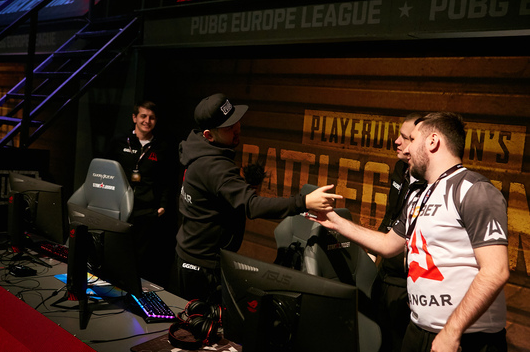 AVANGAR closed the group stage at PEL on the first line
